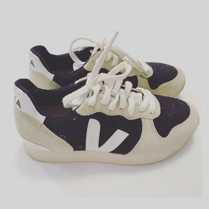 Veja flannel sneakers Size 5